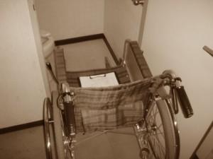 車椅子が入らないドア