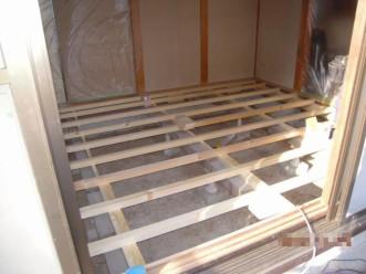 床材の変更着工中1