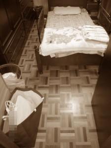 床貼りとクロス張替施工前